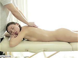 handsome Russian damsel gets an impressive deep-tissue massage
