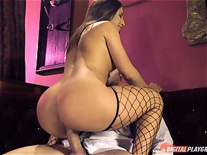 Stripper Abella Danger stretches her legs for Danny Mountain