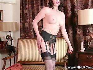 milf takes off off retro lingerie toys clitoris in nylon high-heeled shoes