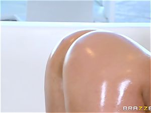 bare oily pulverizing with stunning babe Abella Danger