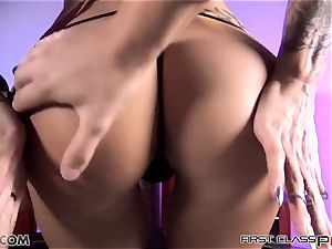 first-ever Class point of view - Juelz take a immense fuckpole in her throat