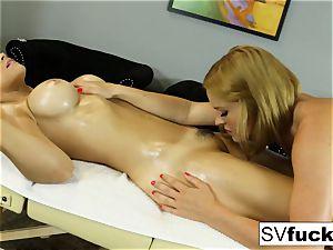 Sarah Vandella lezzie rubdown