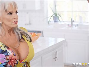 senior platinum-blonde mommy getting plowed in her succulent minge