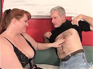red-haired plumeper Julie Ann More gets nailed hard