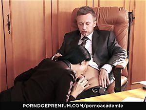 porno ACADEMIE - anal hook-up for Ania Kinski in threesome