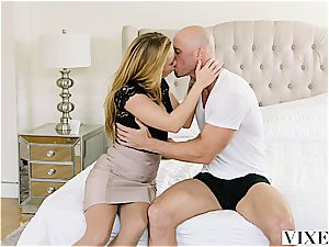 Carter Cruise gets numerous orgasms while her chief keeps banging her