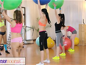 sport rooms Gym mummy and college girls have raw 3 way