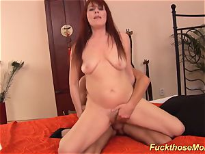 ginger-haired stepmom need a strong pipe