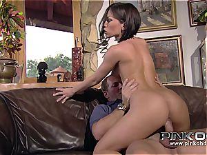 PINKO HD Mya and her cock-squeezing pink vulva