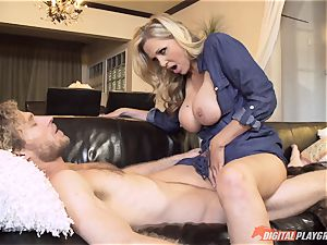 Julia Ann cunt filled on mothers day