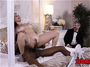 cuckold cougar mega-slut Dana big black cock beaten