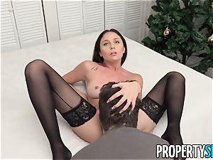 PropertySex Ariana Marie lovinТ The Christmas fuckfest