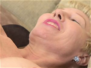 Mature vulva frigging solo with Dalgny Marga