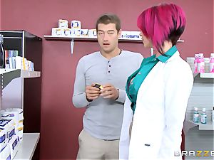 sexy chemist Anna Bell Peaks likes a clients trunk