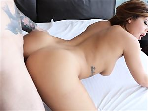 Keisha Grey pummels in a gorgeous bud necklace