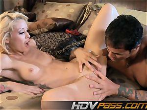 ash-blonde Monique Alexander drill and pop-shot