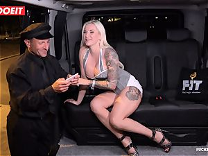 LETSDOEIT - fortunate taxi Driver Bones 2 scorching Blondes