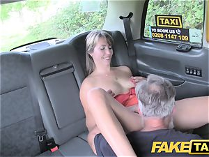 fake cab gal in short dress gets a cab creampie