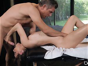 Kimmy Granger boned by hung german masseuse