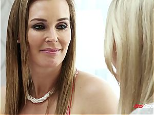 sapphic mommy having hump with stepdaughter