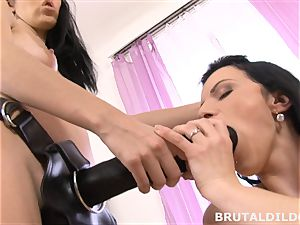 Mary tucks Blue Elis facehole and muff with a phat dildo