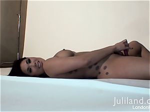 London Keyes playing with her dildo