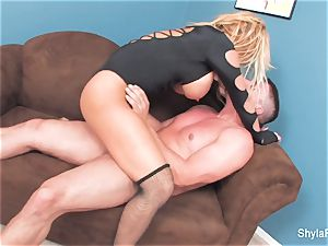 Shyla gets her donk screwed and a load on her face
