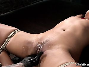ebony marionette fisted and made blasting