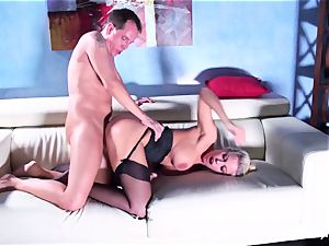 Britney gets a deep fuckpole and explosion on her rump