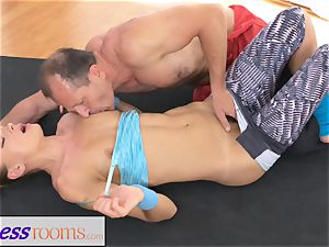 FitnessRooms Ivana Sugar total body and vag stretch