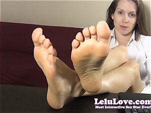 secretary taunts and taunts you with her nude soles