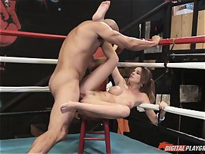 Alexis Adams poon puckered in the boxing ring by humungous sausage